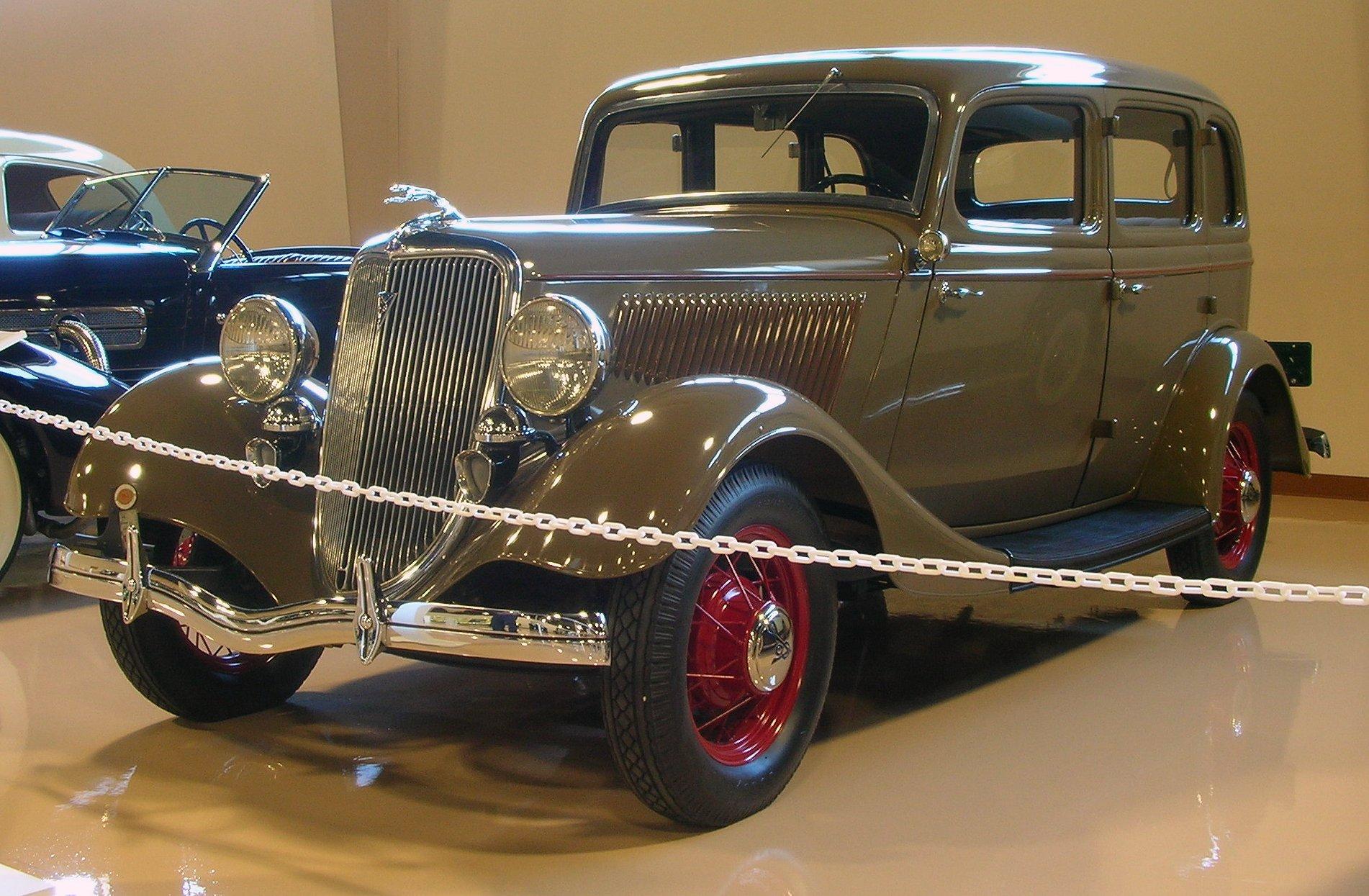 1934 ford 4 door sedan v8 flathead for 1934 ford door